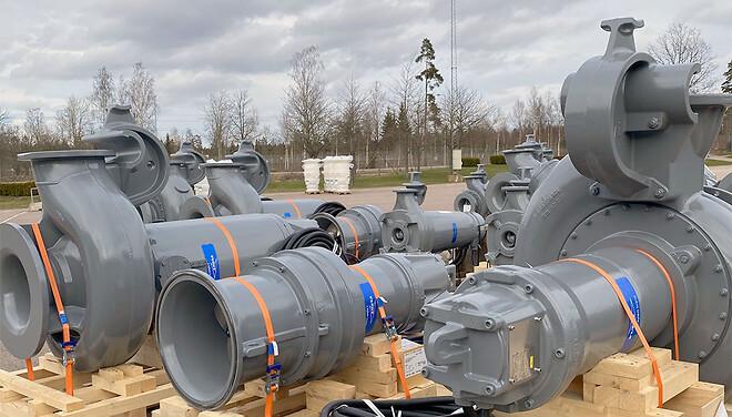 På Xylem i Emmaboda jobbar 1 200 personer med allt från gjutning, statortillverkning, bearbetning, montering och provning av framförallt dränkbara pumpar.