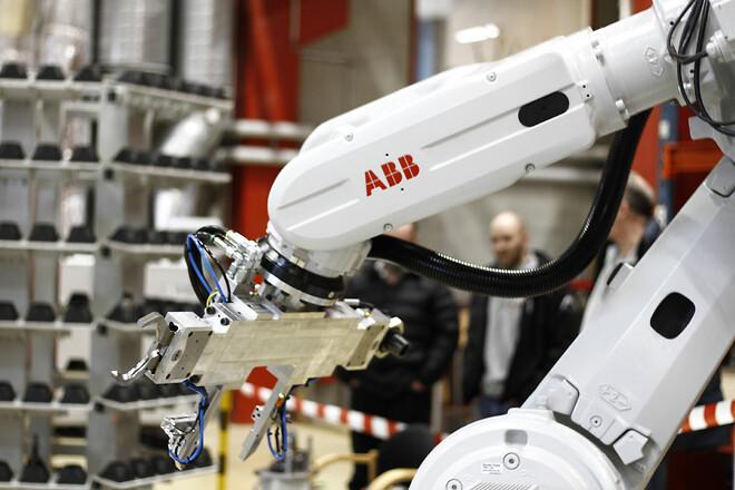 Värnamo CNC Factory DynaMate Robotik & Automation
