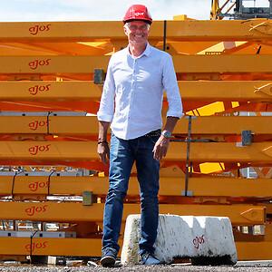 Adm. direktør Ole Wamsler og resten af medarbejderne i Ajos øst-afdeling glæder sig voldsomt til at flytte i nye og især større omgivelser i Køge.