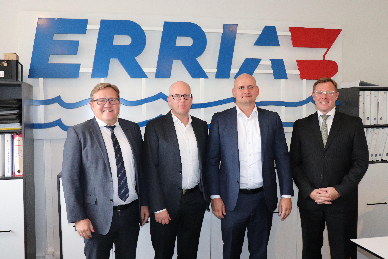 89347edb552 Folkene bag den nye division er Errias direktør Henrik N. Andersen, samt  Rune Sørensen og Jakob Tørring, som til sammen ejer en tredjedel af den nye  ...
