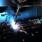 Idag är många processer såväl inom CNC som svets automatiserade.