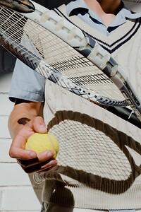 Bra och högkvalitativa padelkläder är utrustningen som du behöver om du gillar att spela padeltennismatcher eller träna för dem.