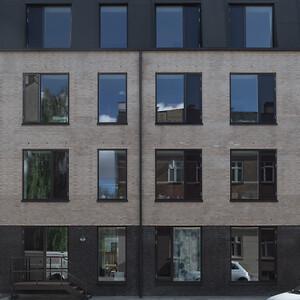 HP Byg har opført 18 familieboliger for Calum A/S. Sangberg er arkitektrådgiver.
