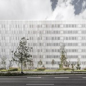 Dynamsik facade på parkeringshus G2 i Aalborg af Sangberg