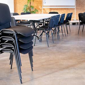 kontorindretning mødelokale fleksible mødeborde mødestole konference multirum stabelstole klapborde workshop talks
