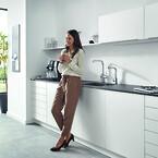 GROHE Red køkkenarmatur. Spar tid energi og plads i køkkenet.