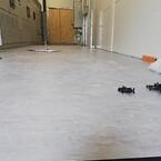 Gulvpladerne er spånpladebaserede og med fabriksapplikeret vinyl på toppen