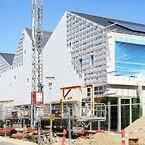 Skou Gruppen er færdig med den første facade på kulturhuset i Viby, som er beklædt med hvide facadetegl som en reference til byens gamle mejeri.