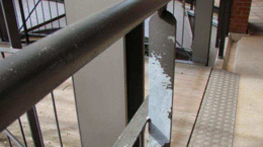 Storslåede Klumme: Varmforzinket stål og maling - afskalning eller succes TS45