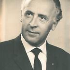 Stifter af Alfix - Hans Carstensen Toft. Bosiddende i Kolding, hvorfra han skabte virksomheden Alfix i et kælderlokale.