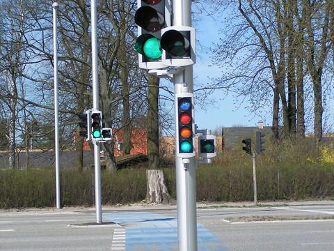 Aluminiumsmaster til signallanterner fra Sapa Poles