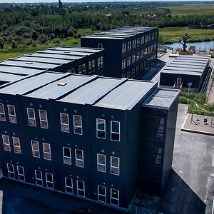 De svanemærkede pavilloner efterlever de skrappeste krav til energiforbrug, indeklima, miljø og bæredygtighed.