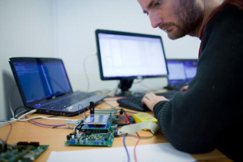 Softwareudvikling - kontakt TekPartner - SW udvikling er vores speciale