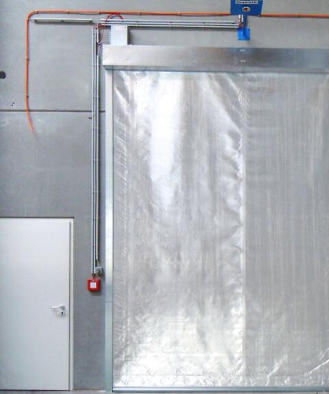 Brandgardin EW120 Kronborg Sikring - Det fleksible valg og alternativ til brandskydeporte og branddøre\nTestet og afprøvet efter de europæiske EN normer og standarder EN 1634-1 og CE Mærket EN 16034 + EN16241.