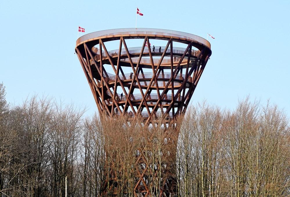 28118e7a9924 Camp Adventures 45 meter høje tårn i Gisselfeld Klosters skove på  Sydsjælland blev indviet 30. marts. (Foto  Tariq Mikkel Khan Ritzau Scanpix)