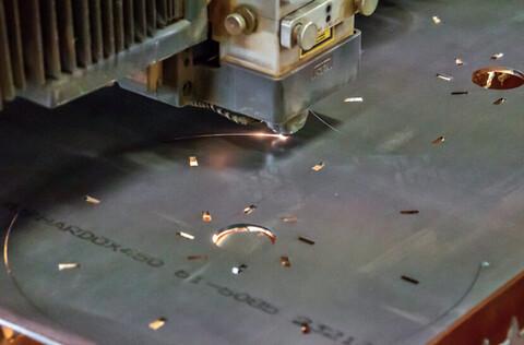 Toftlund maskinfabrik A/S tilbyder laserskæring inden for metalpladebearbejdning - Toftlund maskinfabrik A/S tilbyder laserskæring inden for metalpladebearbejdning