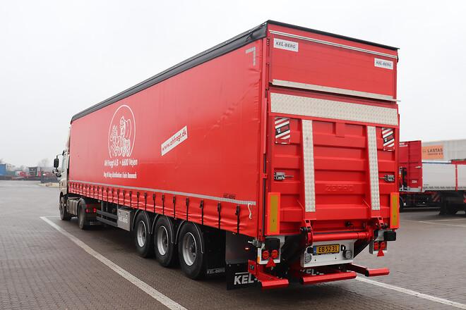 AH Fragt A/S med tre nye Kel-Berg\n3 akslet gardintrailere leveret af Lastas
