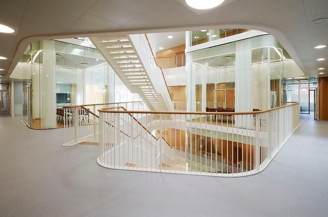 Naturlig, enkel och ljus estetik på Århus campus