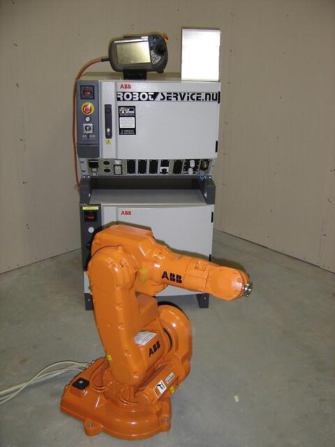 ABB robot IRB140 IRC5 5kg/0.8m M2004 FYND !!!