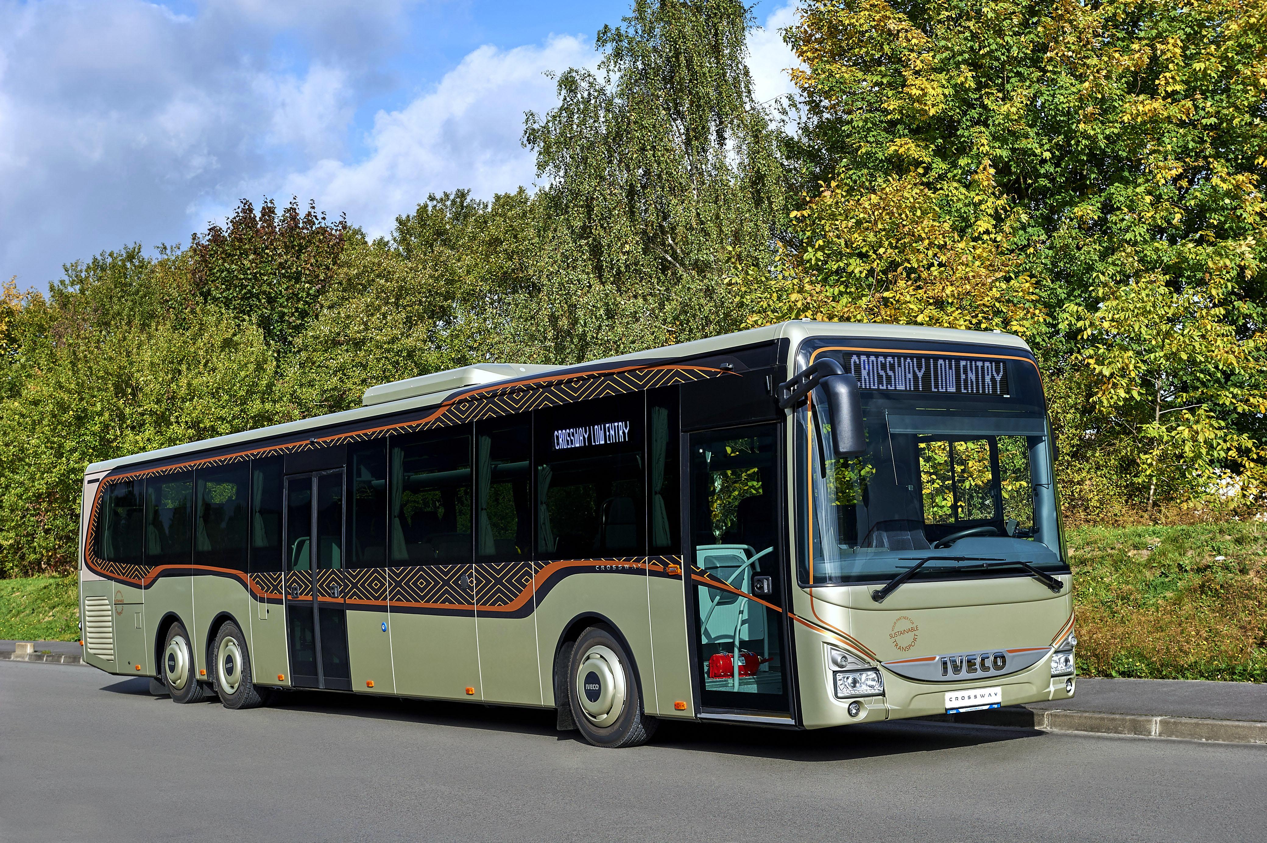 Se Ivecos Crossway LE 14,5m buss