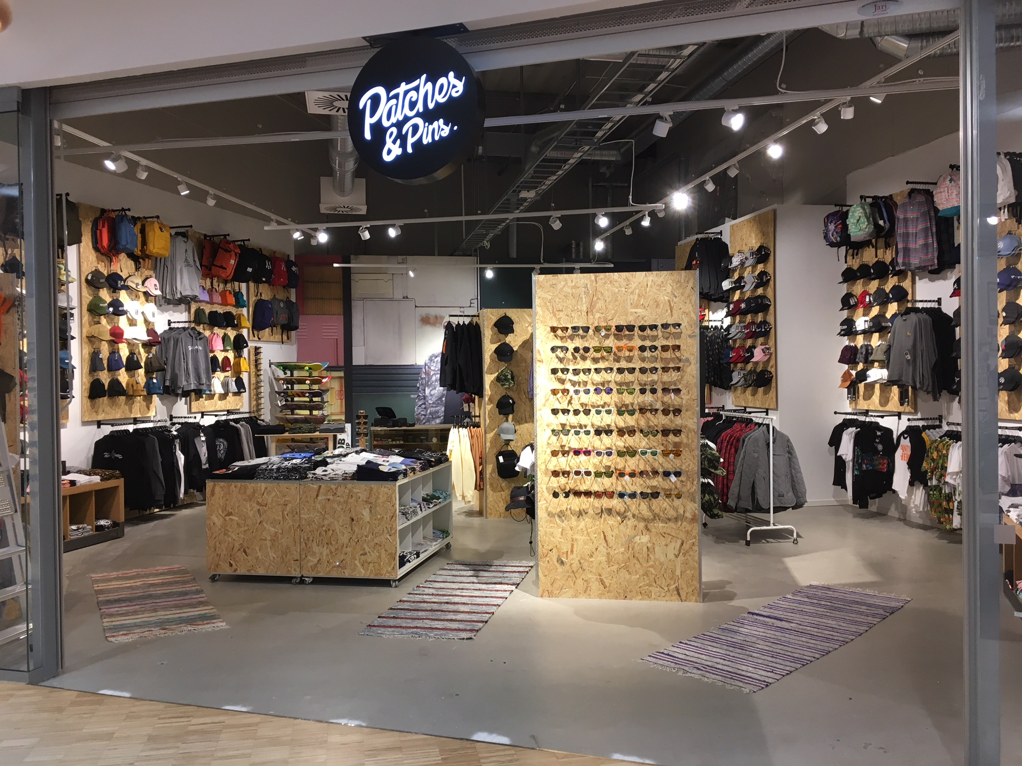 8bae40e9f7a Tredje butiken för Patches & Pins - Habit