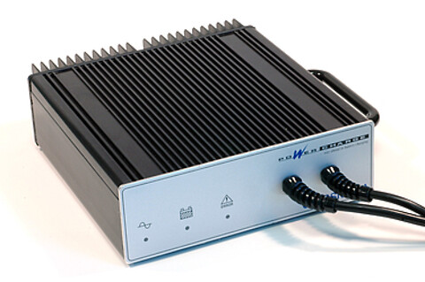 2 programmerbare batteriladere med henholdsvis 8A og 10A ladestrøm fra Powercharge A/S