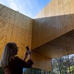 RMIG ImagePerf er valgt til et design af en gyldenfarvet væske med bobler