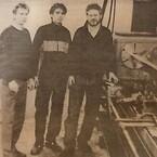 Stig Carlsson, Ola Melin och Jan-Olov Melin vid en av de första svarvarna.