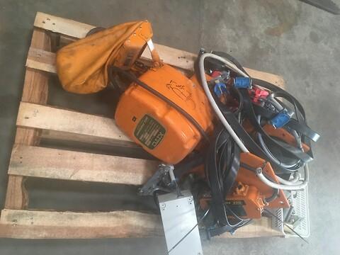 Brugt 2 ton kito elkædetalje med mot løbekat sælges
