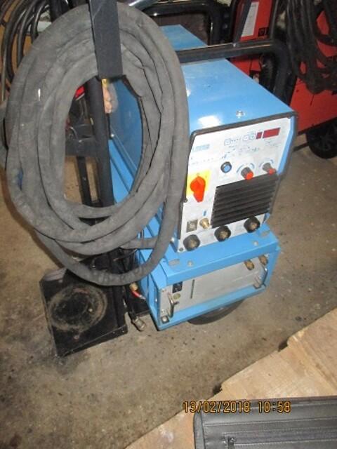 Brugt  Cloos tigsvejsmaskine 300 ampere som ny sælges