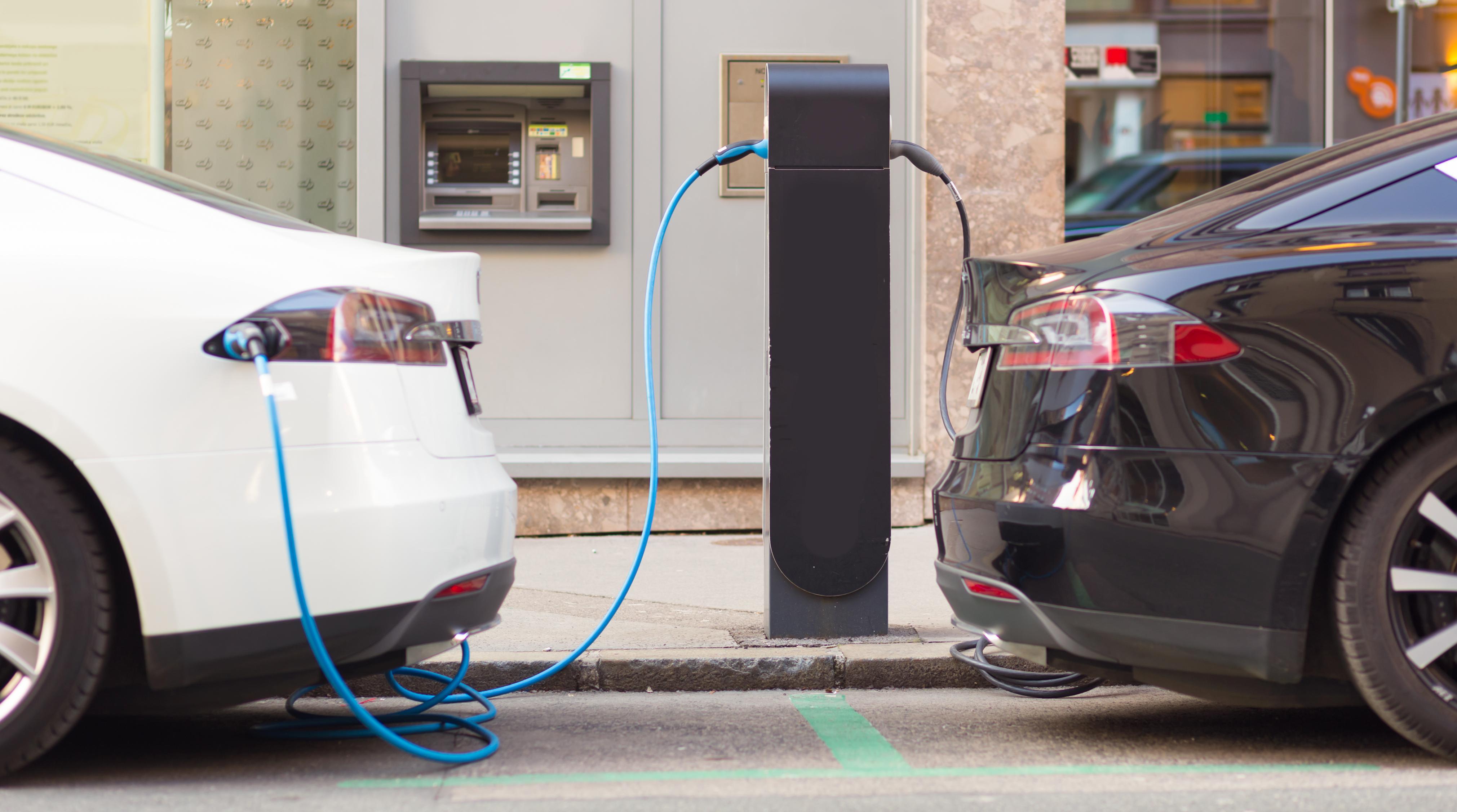 Stor uenighed om afgifters effekt på elbilsalget - Energy Supply DK