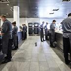 Travlhed i køkkenet, hvor AXOR Citterio køkkenarmaturer gør arbejdet lidt lettere - og smukkere.