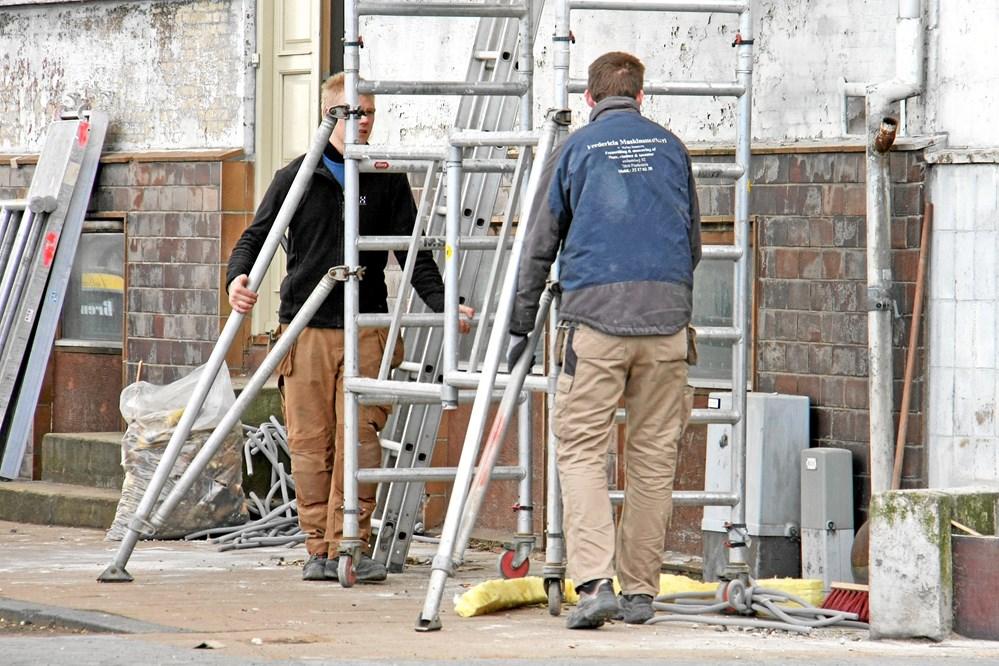 df44d23b7ba1 Håndværkerne må fra nytår ikke længere bære på stilladsdele