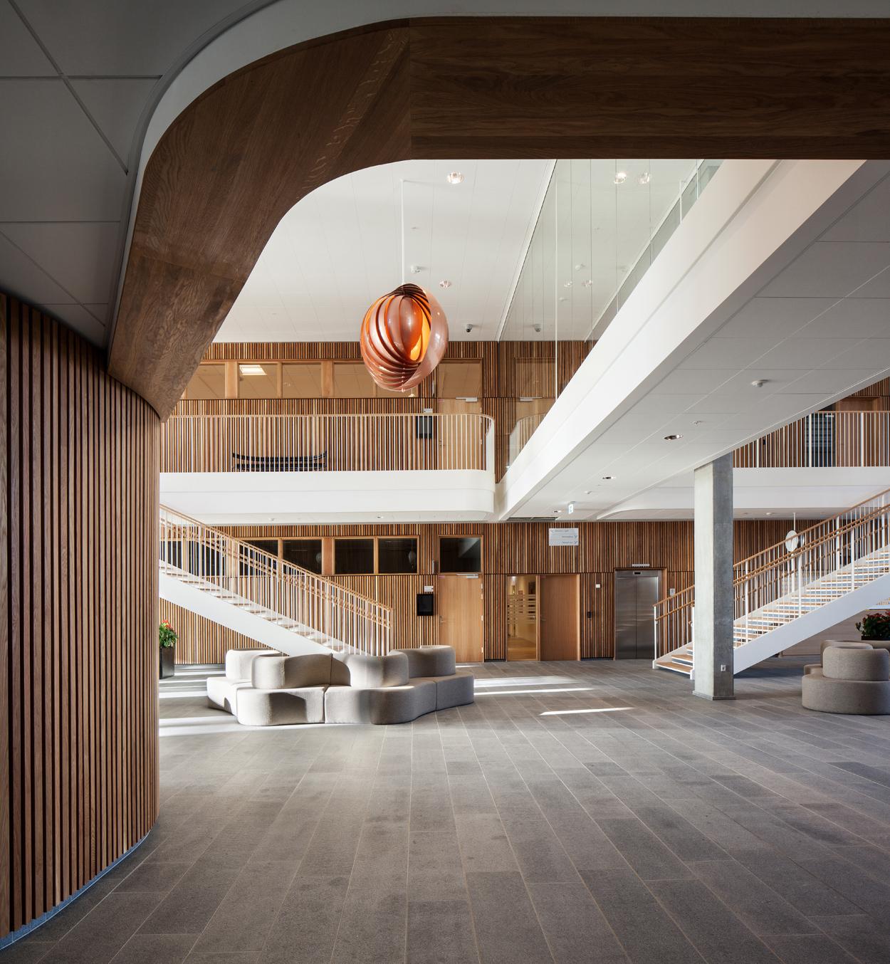 Verpan møbler indretter ny vestre landsret   wood supply dk