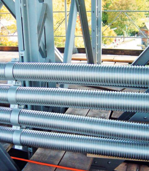 Biogasrørene består af et rustfrit medierør samt af et rust- og syrefast rørsystem - Biogasrørene består af et rustfrit medierør samt af et rust- og syrefast rørsystem