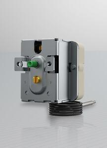 Panelmonterad 3-fastermostat trip-free funktion
