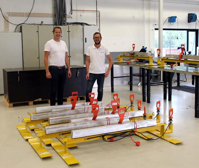 Daglig leder Jan Kåre Bredal (venstre) og BD Manager Erik Johannessen i forkant av en av leveransene til Equinor