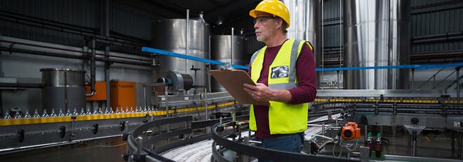 Statisk elektricitet kan nedsætte produktiviteten, mindske produktkvaliteten og skabe alvorlige sikkerhedsmæssige problemer for de ansatte som følge af vildfarende gnister