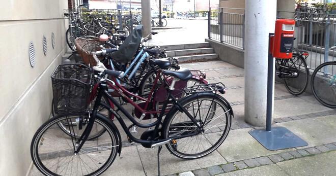 Få cyklerne væk fra gaderne med en trappelift   HYDRO-CON A/S