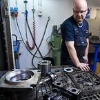 Vi är specialiserade på reparation och service av hydraulpumpar och motorer