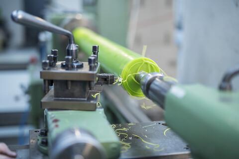 Påbelægning af polyurethan på valser - Polyurethan påbelægning af valser Dansk Gummi Industri A/S