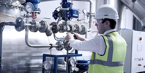 Har I et dampsystem som skal installeres eller idriftsættes? - Skal vi stå for service, installation og idriftsættelse af jeres dampsystem?
