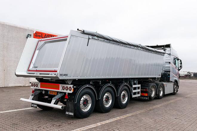 Nyhed fra Kel-Berg, 3 akslet tiptrailer på \n30 m3, der er den korteste 3 akslet tiptrailer i Danmark
