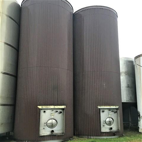 2 st. 50 m3 isolerade silor i rostfritt stål V1608 + V1609