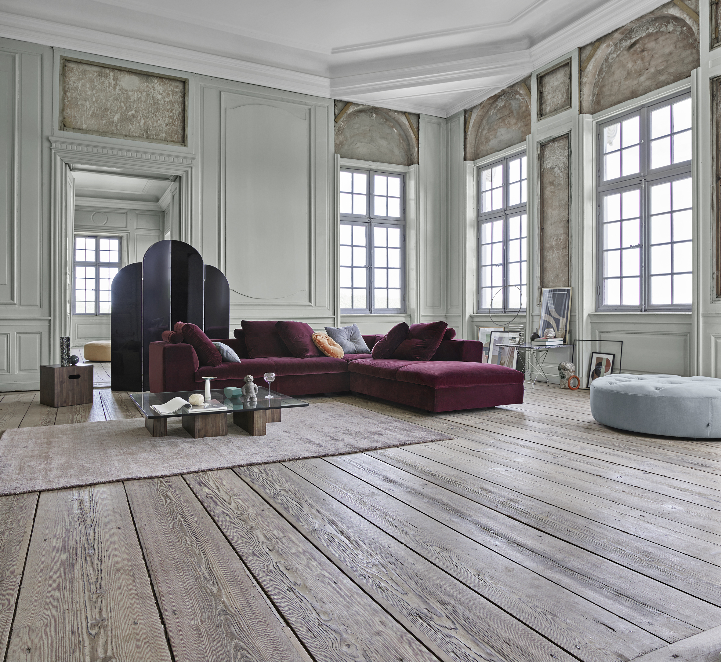 New Sofa From Eilersen Is A Chameleon