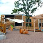 Innergården ger Norrgårdens förskola en spännande miljö. Rättigheter: Knivsta Kommun.