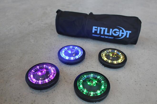 FitLight Basis kommer i en praktisk taske lige til at tage over skulderen.