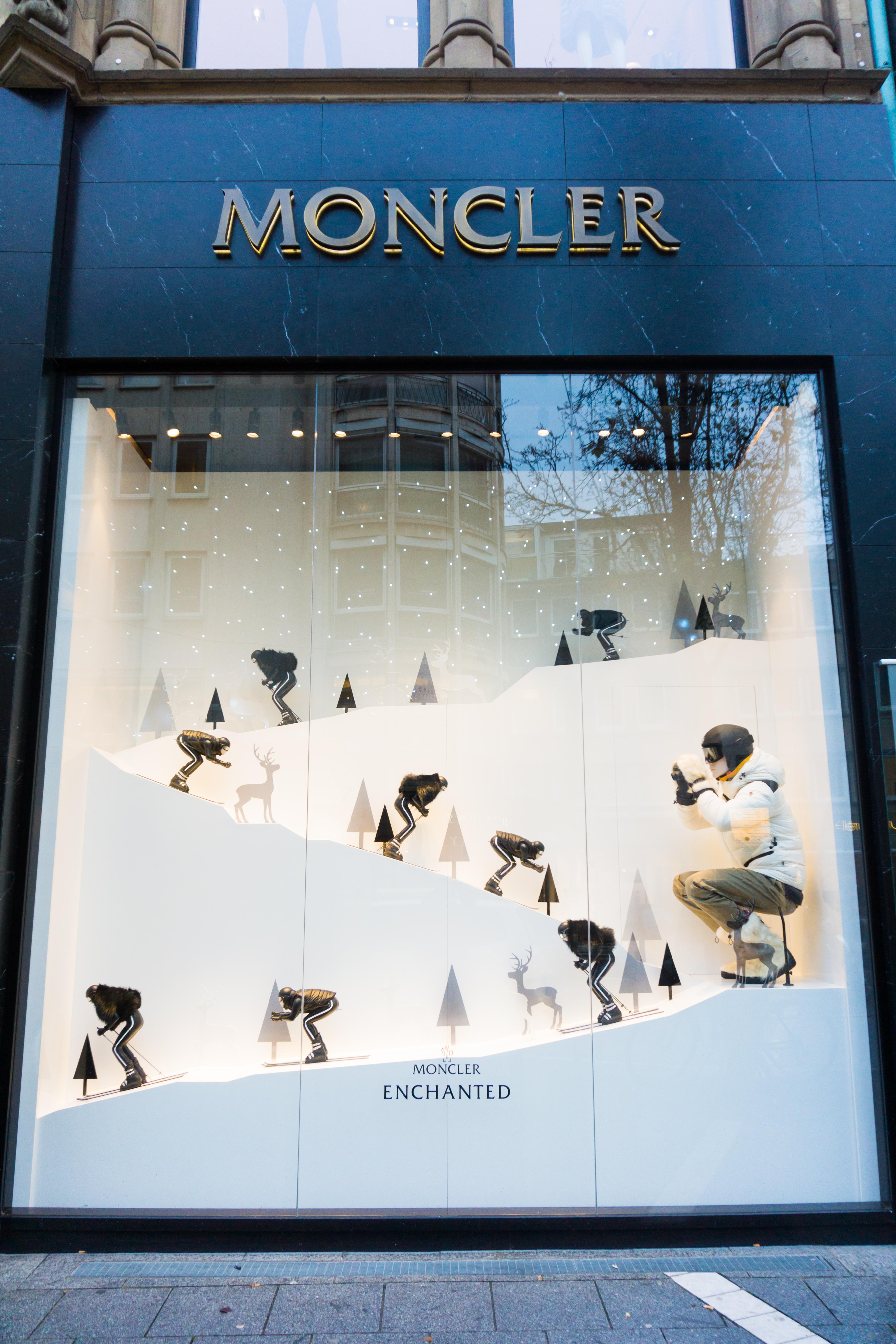 moncler butik