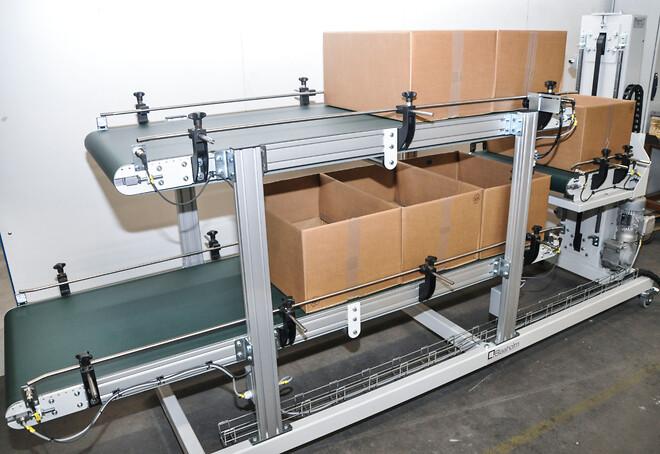 Schnoor Plast kan køre ubemandet produktion i op til 14 timer med kassevekslere fra Blaaholm.