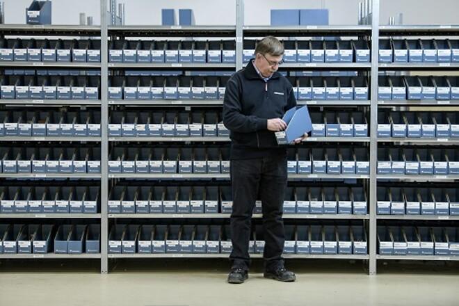 Kanban-systemet box2box fra grossisten Lemvigh-Müller sikrer varebeholdningen hos Agramkow.